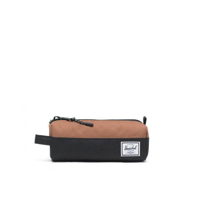 HERSCHEL Trousse Settlement Case Color: Black/Saddle Brown